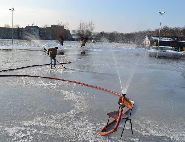 Werken aan een mooie ijsbaan